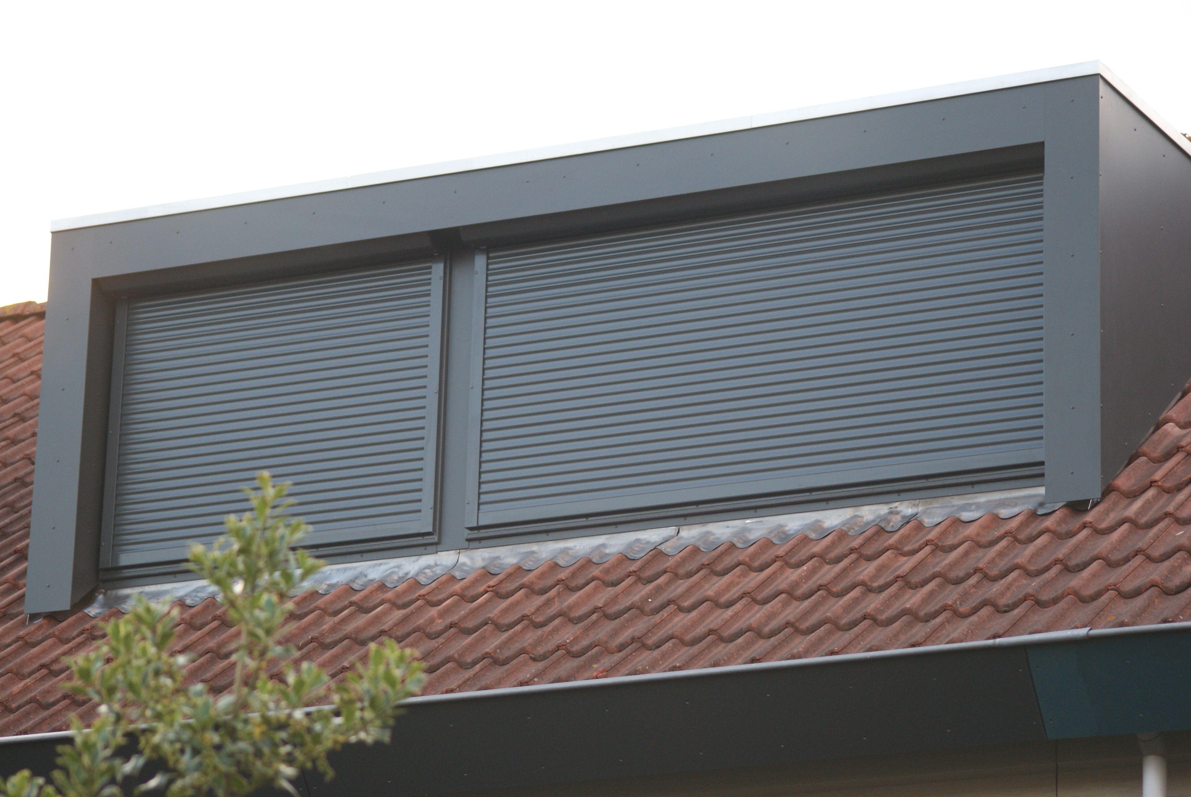 Dakkapel buitenkant met rolluik details house loft spaces