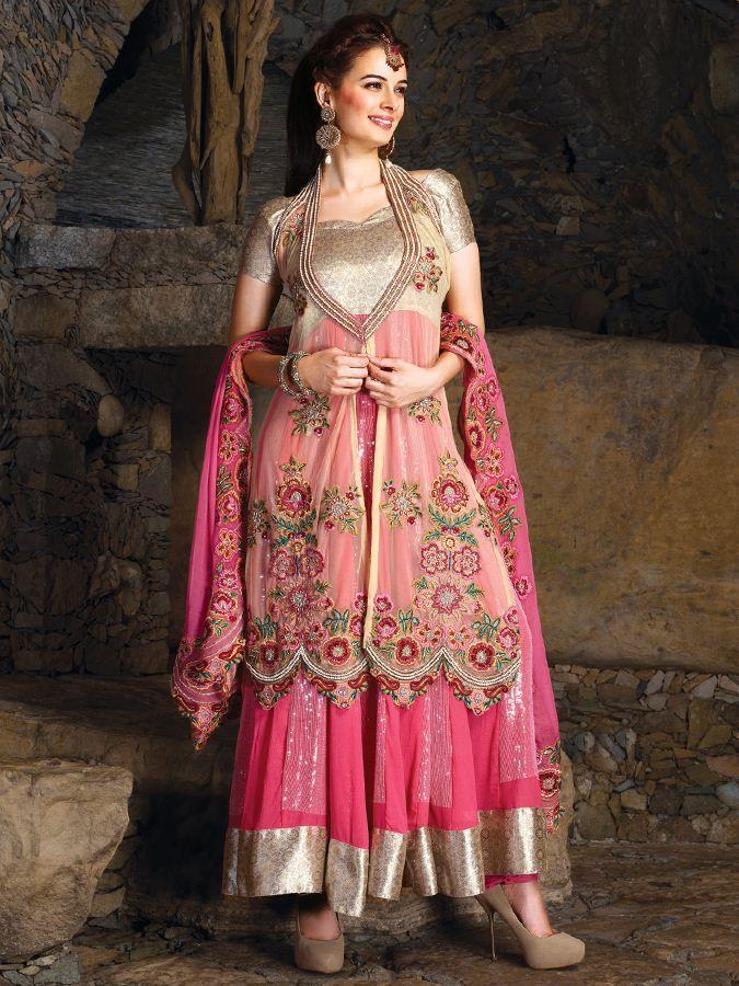 The Floor Length Anarkalis Look Outstanding And Gorgeous Because Of Its Length That Makes It Loo Punjabi Dress Design Punjabi Suit Neck Designs Utsav Fashion