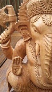 Ganesha de madeira