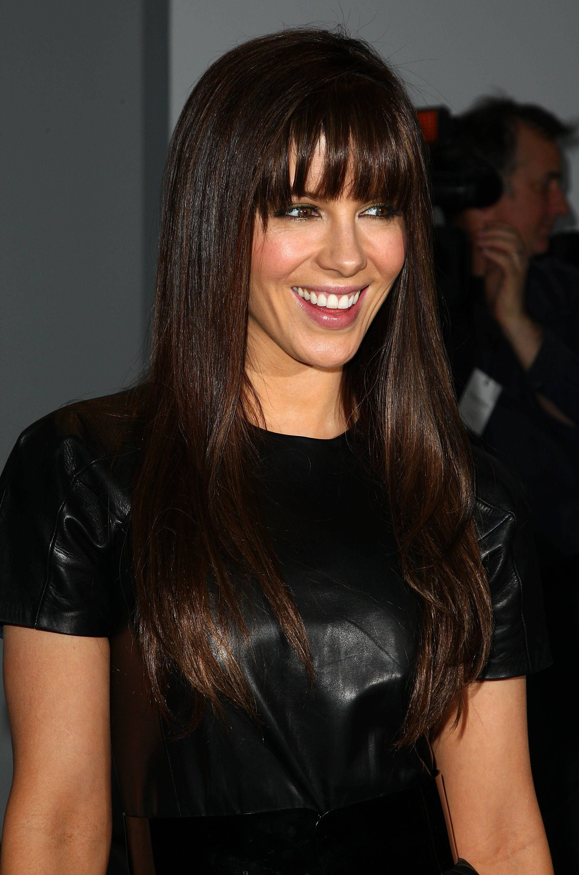 9 Celebrities Who Made Blunt Bangs Really Really Chic Hair Styles Straight Hairstyles Long Face Hairstyles