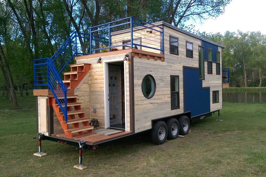 Nice Tiny Mobile Ski Lodge With Open Upper Deck And Balcony