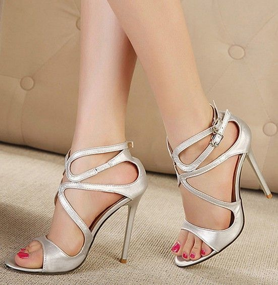 heels in high Bare feet