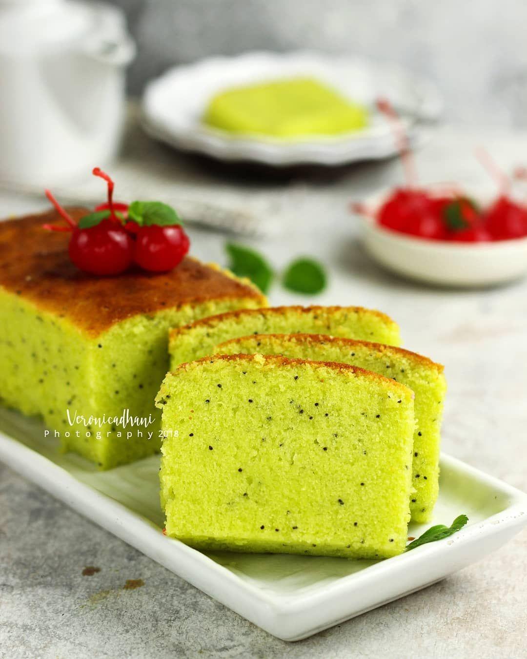 1 367 Likes 55 Comments Veronica Dhani Veronicadhani On Instagram Condensed Milk Pandan Pound Cake Source Tintinrayner Rebake Food Pound Cake Cake