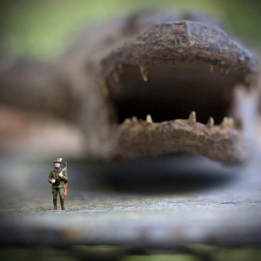 French photographer creates mini scenes