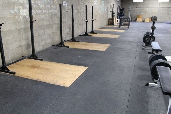 Black Rubber Tiles Are First Choice In Gyms Rubber Flooring Gym Flooring Rubber Flooring
