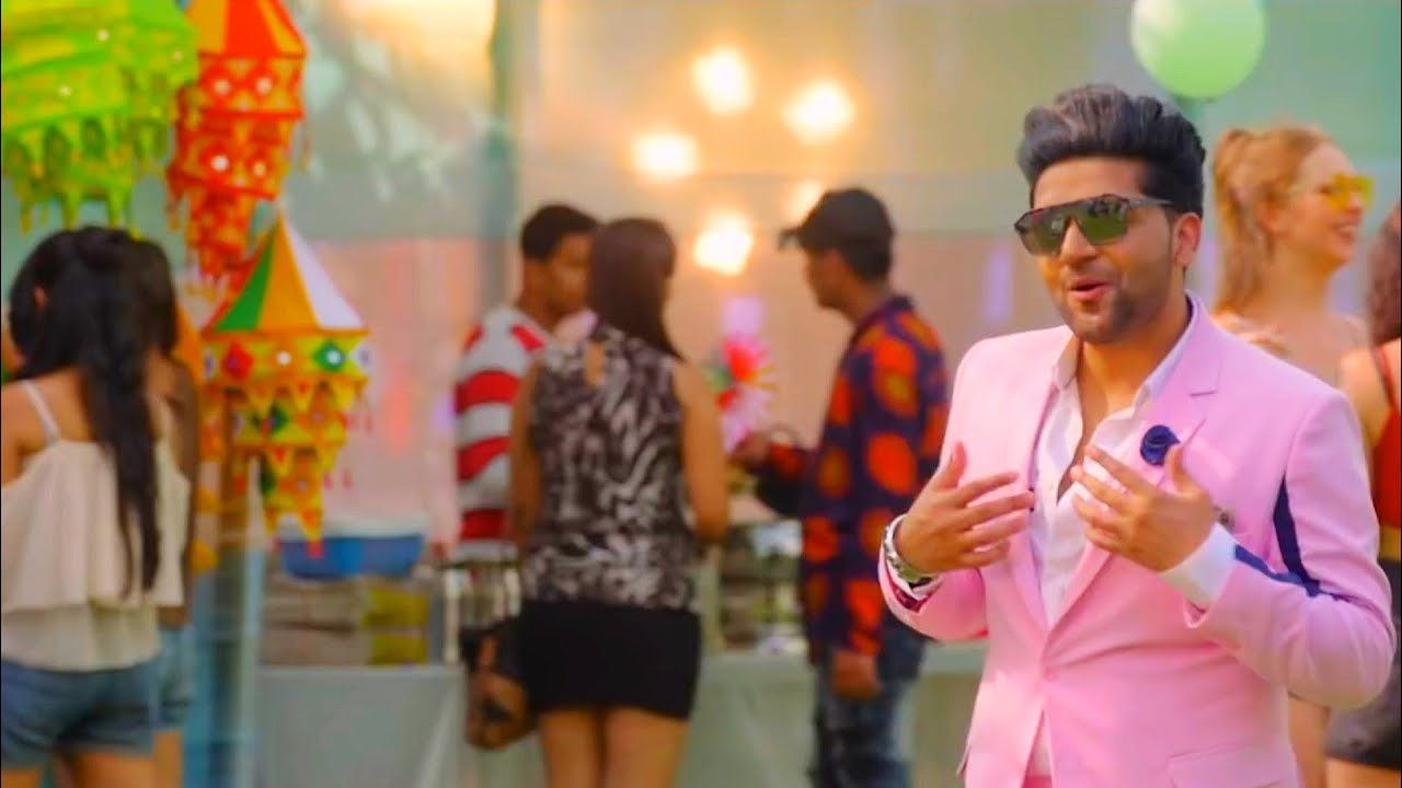 Guru Randhawa Outfit Teri Mutiyare Song Mp3 Download 192kbps 320kbps Presenting The Video Song In 2020 Songs Mp3 Song Download Outfit Lyrics