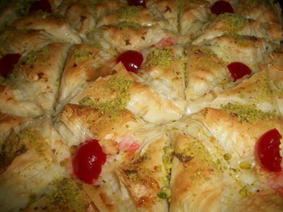 وربات او كلاج بالقشطة شهيه طيبه Middle Eastern Desserts Food Middle Eastern Recipes
