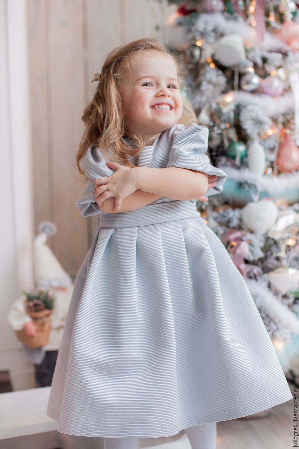 70fb8ff5152 Cute gown for a girl