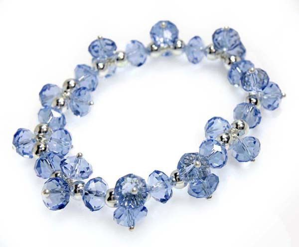 Light Sapphire Single Strand Swinging Effect Crystal bracelet