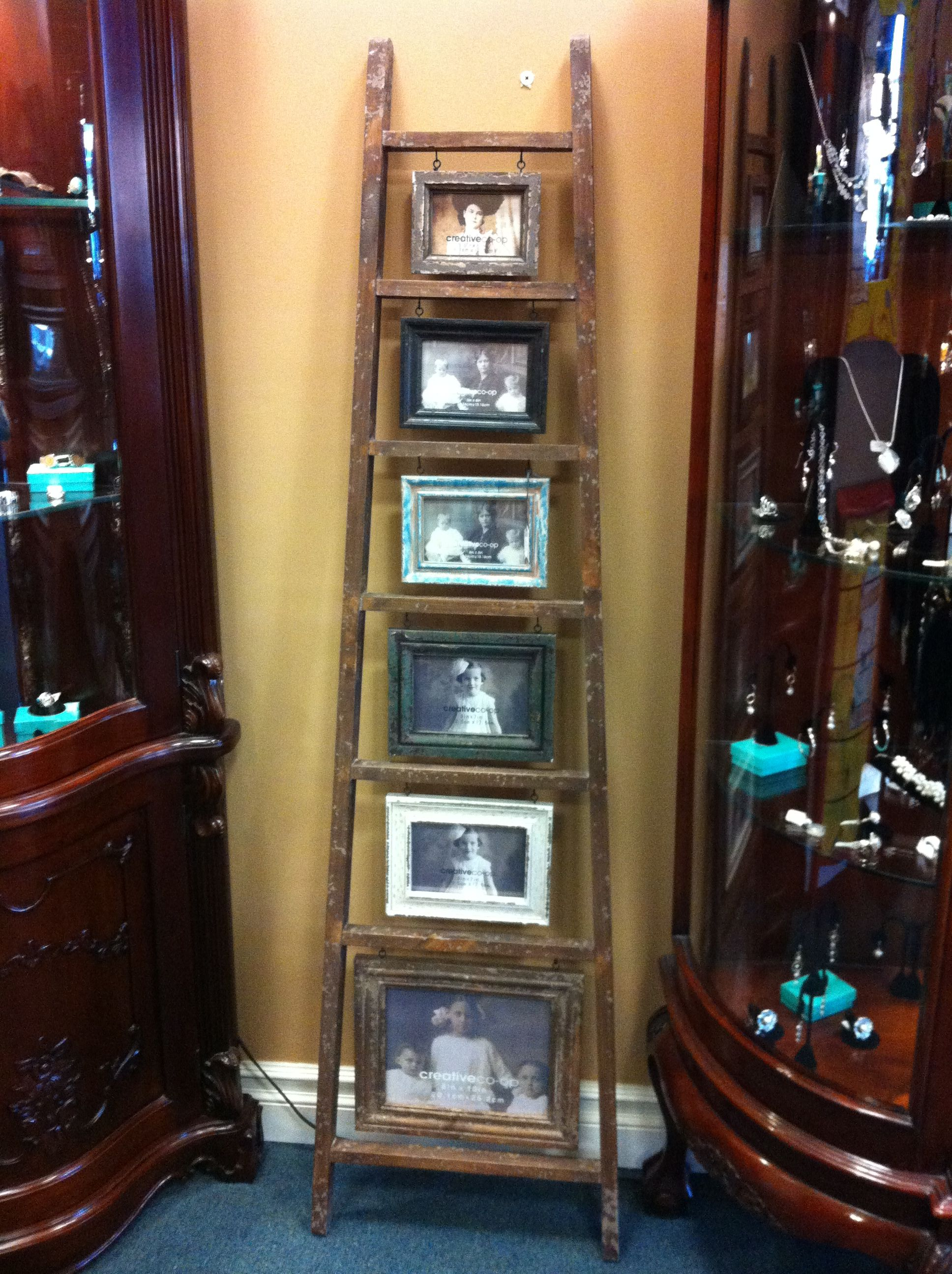Diy Picture Frame Ladder Picture Frame Diy Diy Home