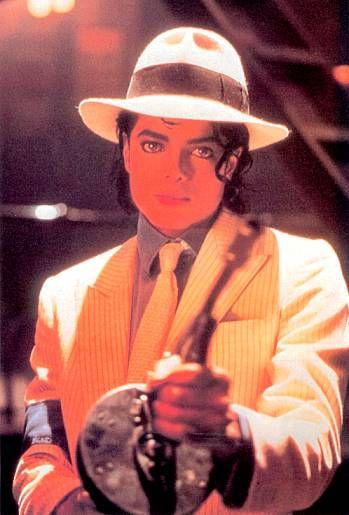 Michael Jackson --- Smooth Criminal... http   www. 8c8ee9eee738