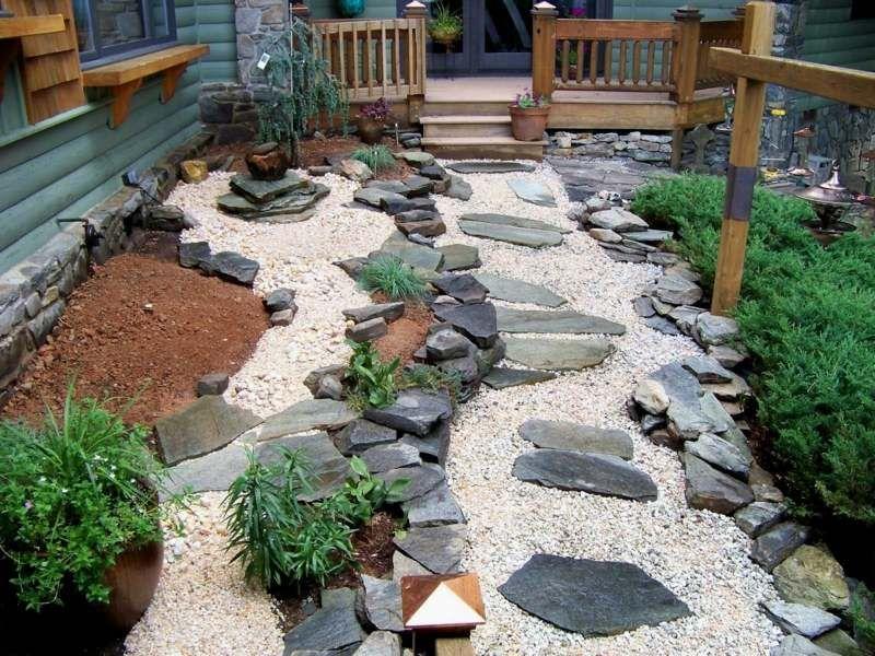 steingarten gestalten japanisch stil gartenweg steinplatten kiesel, Gartenarbeit ideen