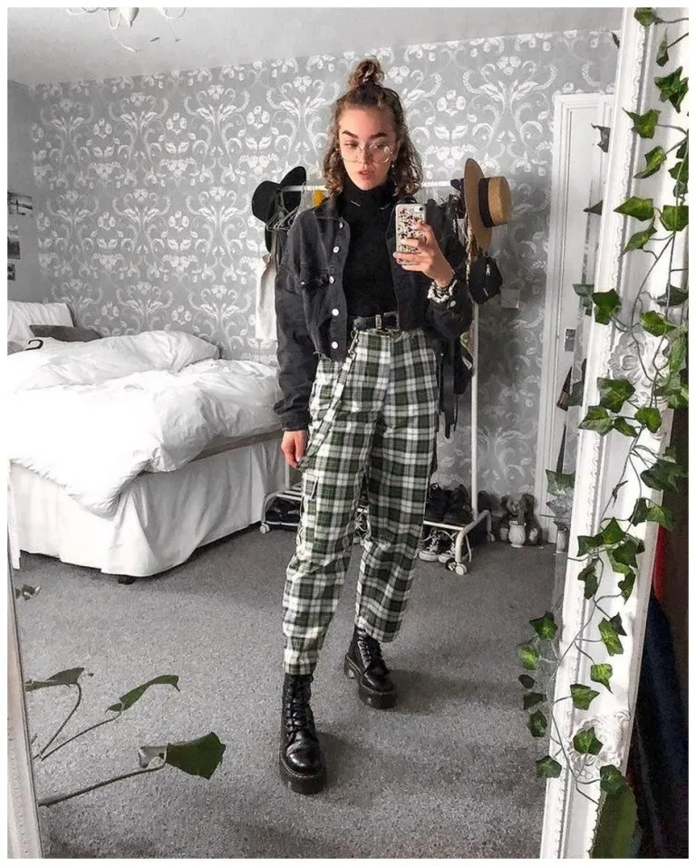 40+ Versatile Plaid Pants And Ways Of Pulling Them Off » Fashion Place