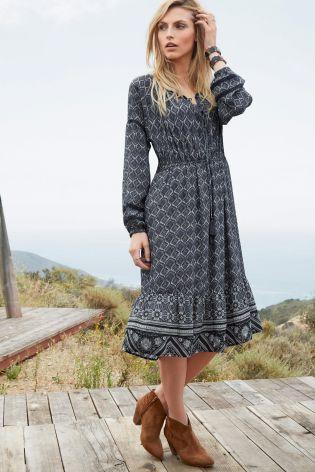 Kúpte si Čierno-biele šaty s ľudovým vzorom online ešte dnes v Next: Slovensko