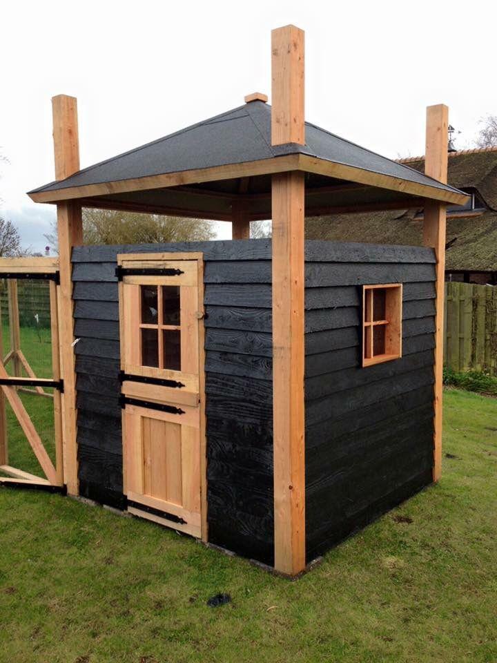 Kippenhok met ren van douglas hout gemaakt! www.vanviegen.com