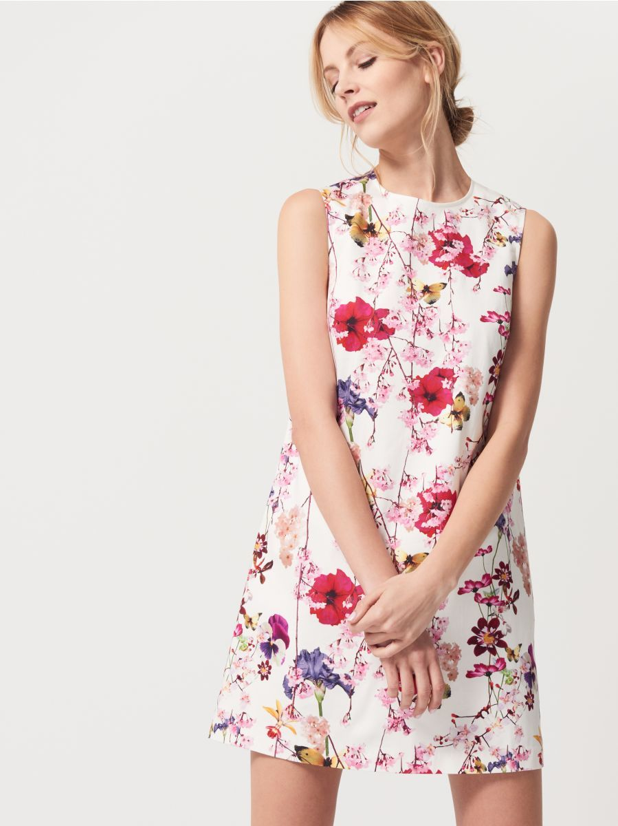 Květinové šaty 4adb07be2aa