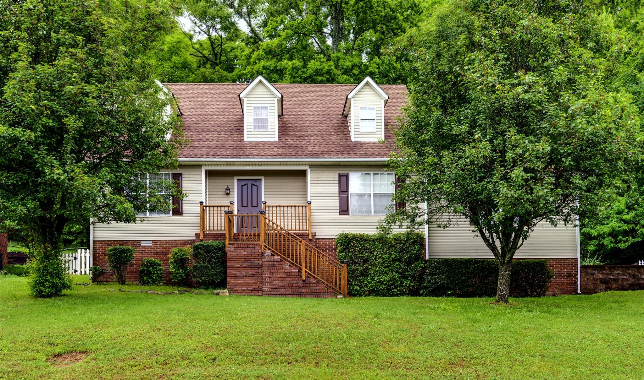 100 Mckinley Dr Columbia Tn 38401 3 Bed 2 Bath 189 900 Great 2060 Sf Home I Estate Homes My House Property