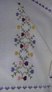 Resultado de imagen para cenefas en punto de cruz para toallas flores amarillas