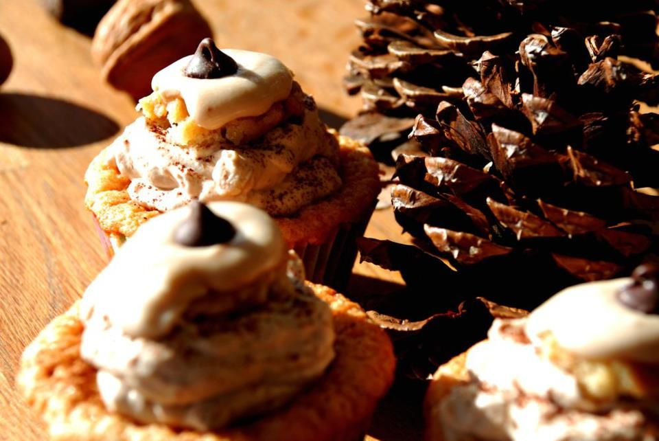 my new tiramisu cupcakes recipe ! i love making up my own recipes.. following rules is so... *meh*