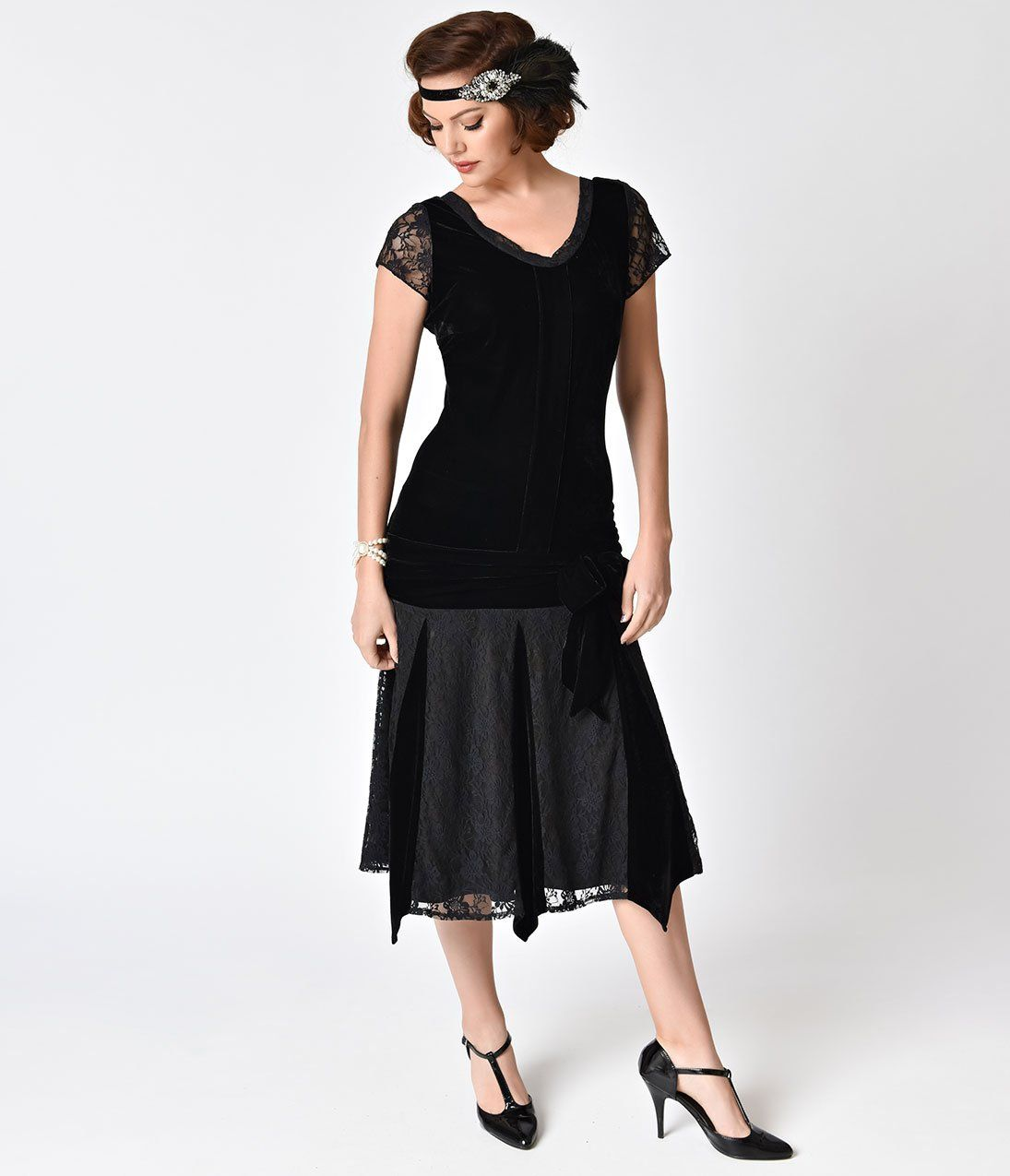 How to Dress Like a 1920\'s Flapper | Velvet shorts, 1920s style and ...