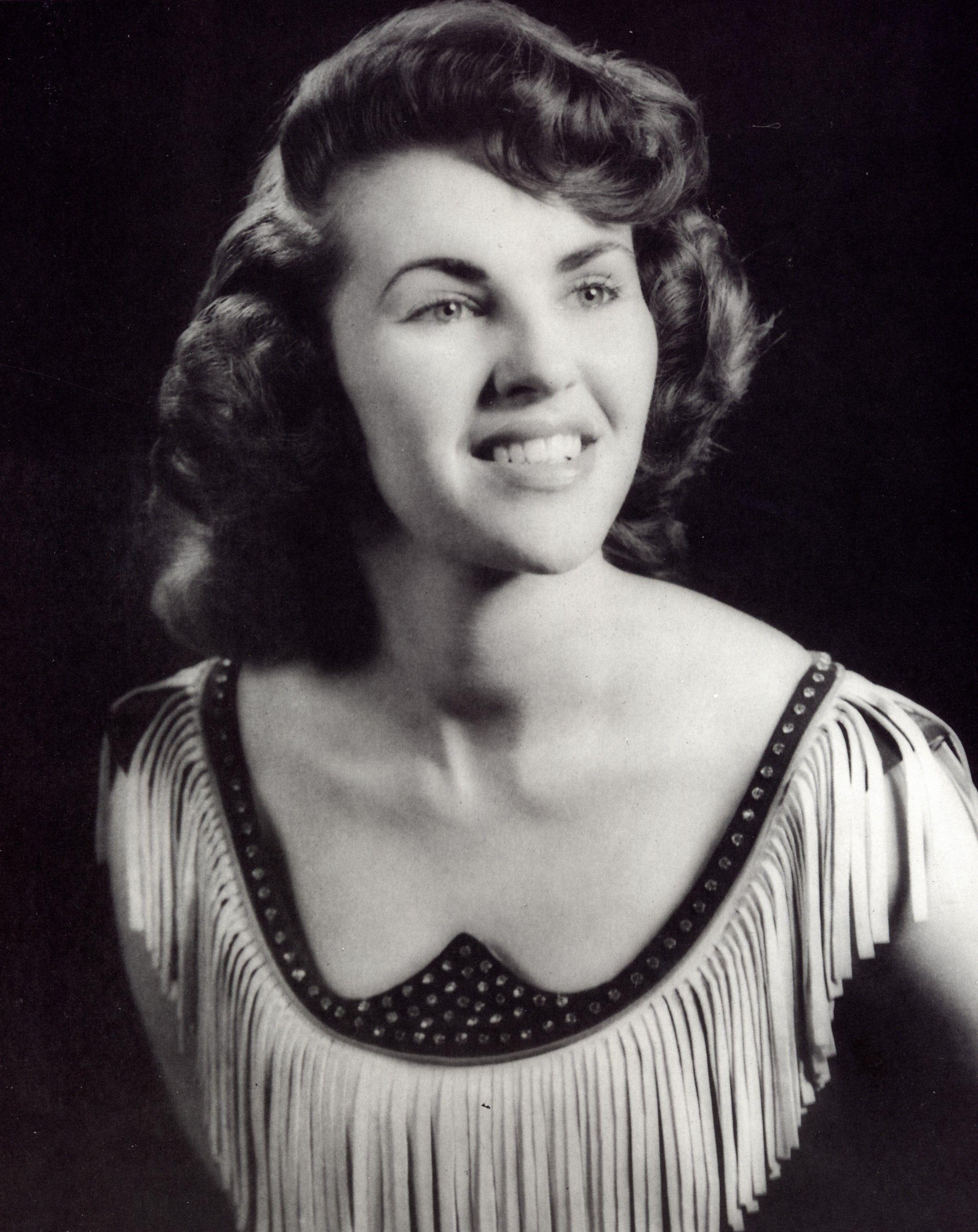 amazing neckline on the always gorgeous Wanda Jackson ...