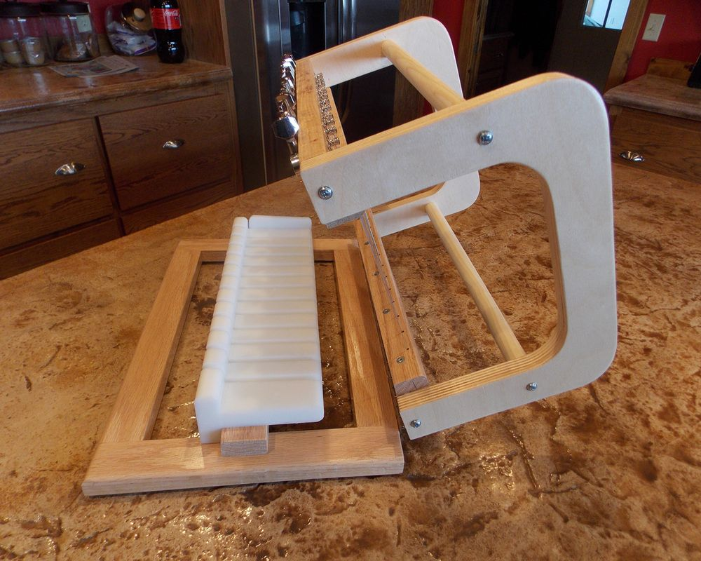 Bud's Multiwire Soap Cutter! I cannot cut a straight bar of soap to save my life. Seriously. I cannot wait for one of these! Squeeee!