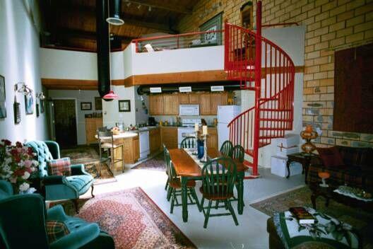 Ordinaire Studio Apartment · Downtown Lubbock Warehouse Loft Corporate Apartment