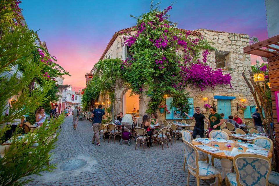 The Restaurants are preparing for the Alacati Nights:) www.boutiquesmallhotels.com/alacati-hotels.html?utm_content=buffer3e35f&utm_medium=social&utm_source=pinterest.com&utm_campaign=buffer