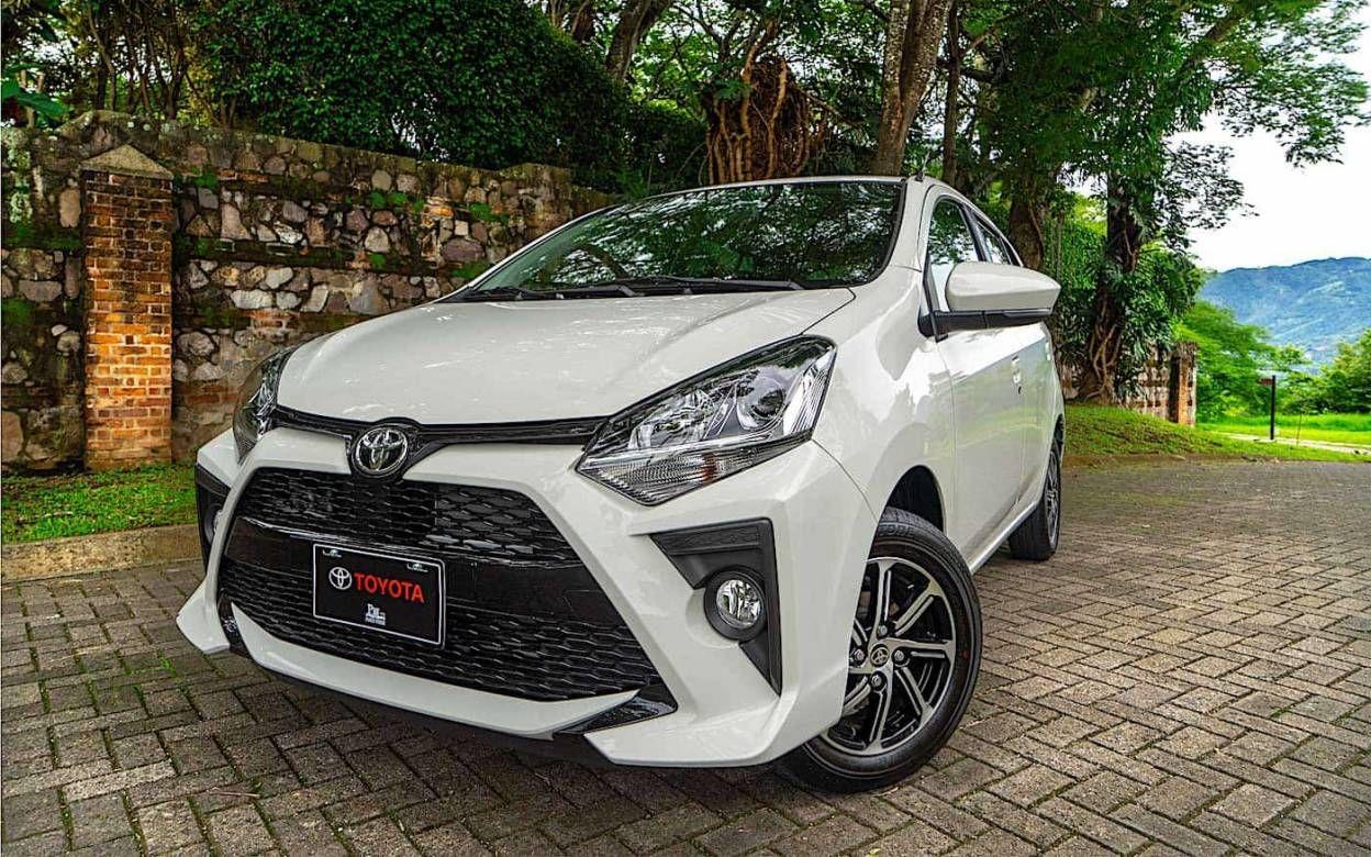 El Renovado Toyota Agya 2021 Llega A Peru Con Novedades Esteticas Ademas De Una Nueva Propuesta Mecanica Ahora La Ofer En 2020 Fotos De Coches Toyota Autos Deportivos