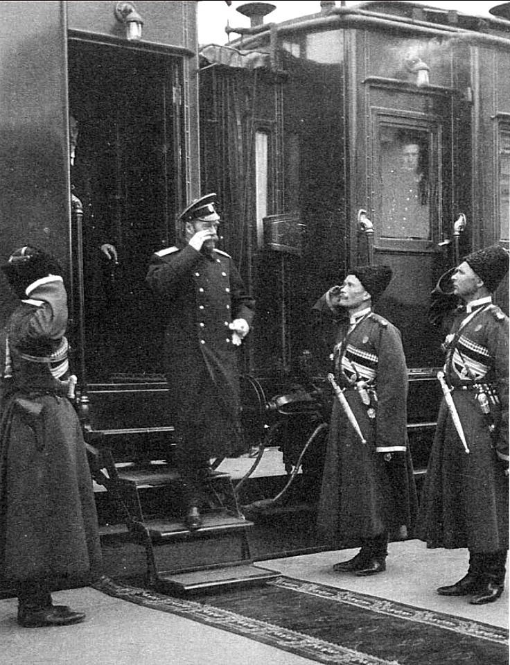 MEN FASHION AND HISTORY — imperial-russia:   Tsar Nicholas II arriving at...