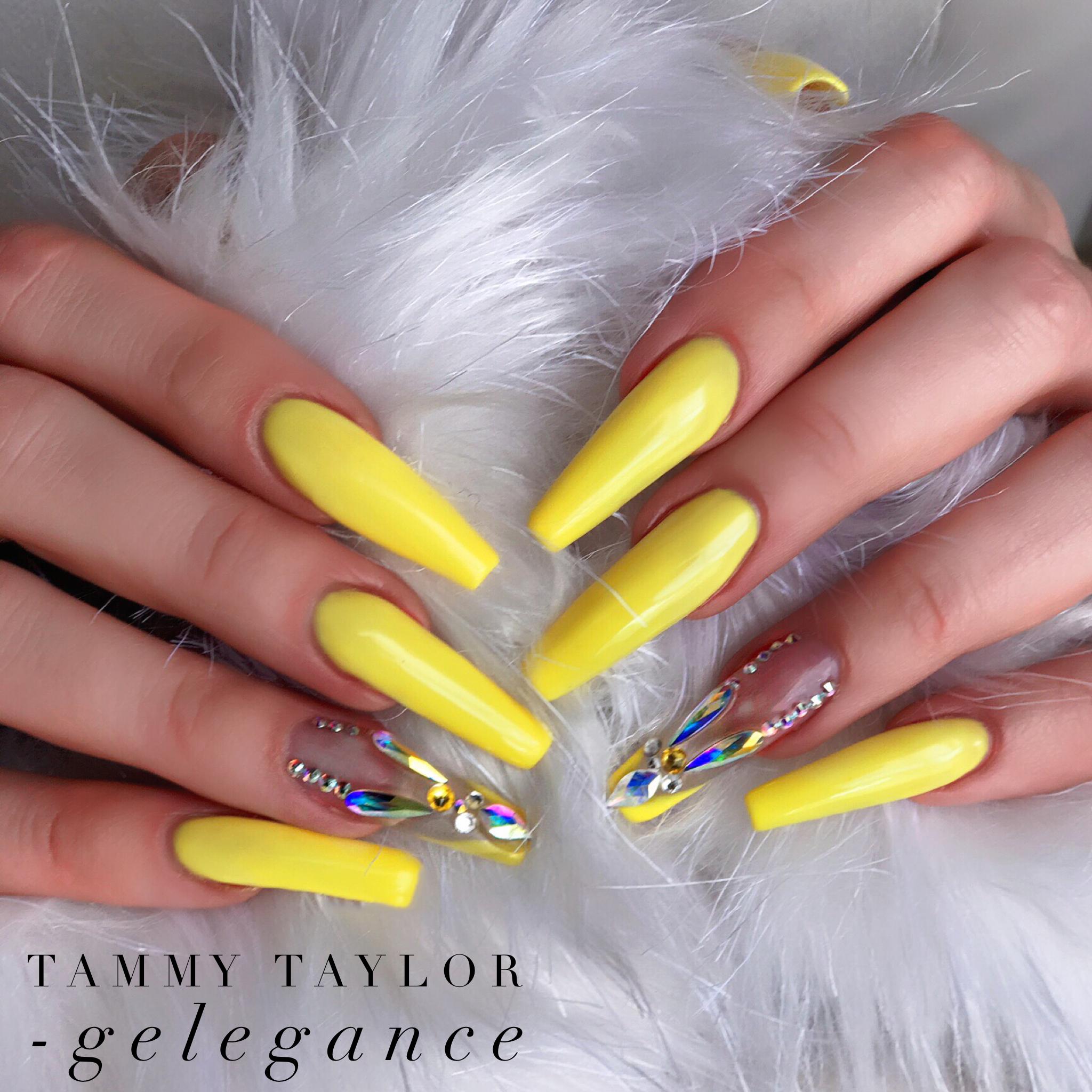 Tammy Taylor Moreleta Has It All Using Crystal Clear Competitive Edge Acrylic And Sunshine Coast Gelega Nail Designs Bling Tammy Taylor Nails Swarovski Nails