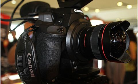 Canon turns 15, outs EOS-1D X, EOS C300, 5D Mark III