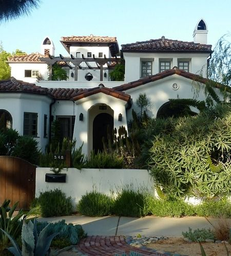 Mediterranean Revival Designs Curated By Los Angeles: Beautiful Mediterranean House In The HIlls