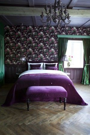 Purple bedroom, antique modern mix /Margrethe Myhrer interior portfolio