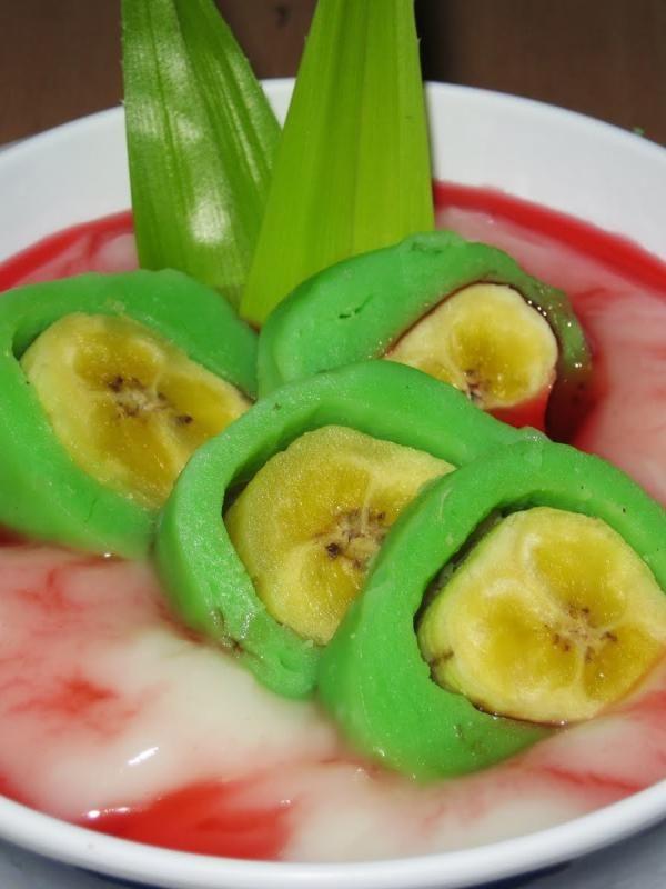 Es Palu Butung Dan Es Pisang Ijo Kembar Tapi Tak Sama Food Recipes Icee Recipe