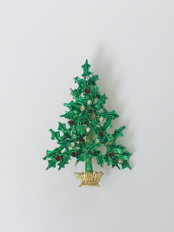 Vintage Tancer Ii Holly Leaf Christmas Tree Brooch Gold Tone