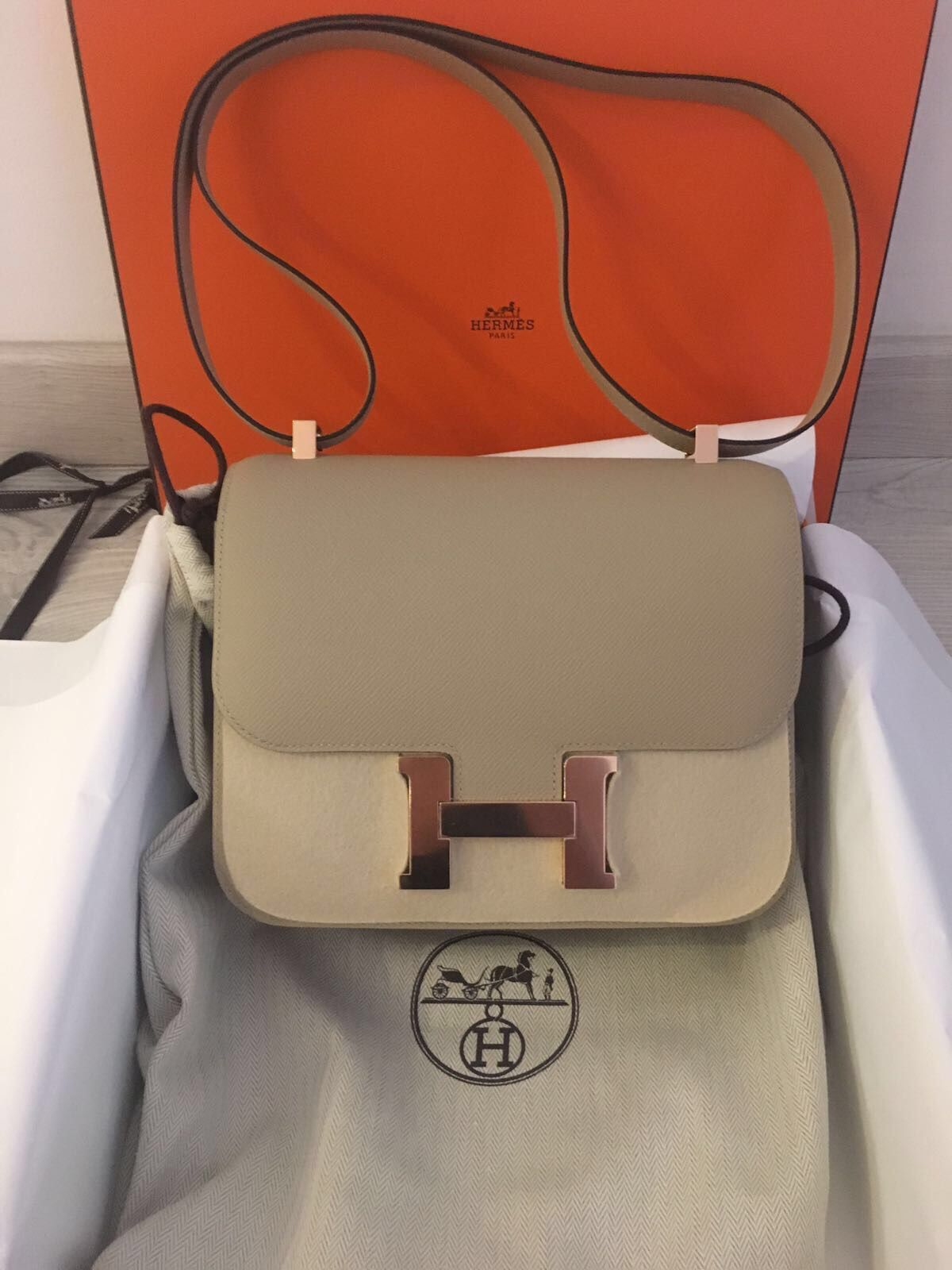 24f7d77b0e89 Hermès Constance 24 Trench Naturel-Sable Verso Epsom Rose Gold Hardware  RGHW A Stamp