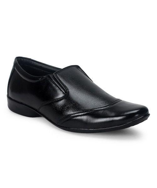 #menswear #mensfashion #mensstyle #styleformen #bespoke #mentrend #gentlemen #shoes #mensshoes #footwear #dressshoes #slipon #shoeswag #black #classic