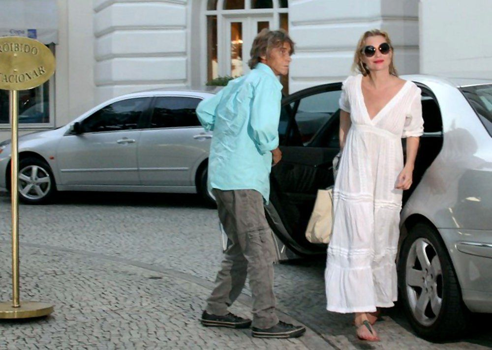 Kate Moss spends time with daughter, Lila Grace Moss (b. September 29, 2002), while in town for a photo shoot with famed photographer Mario Testino.