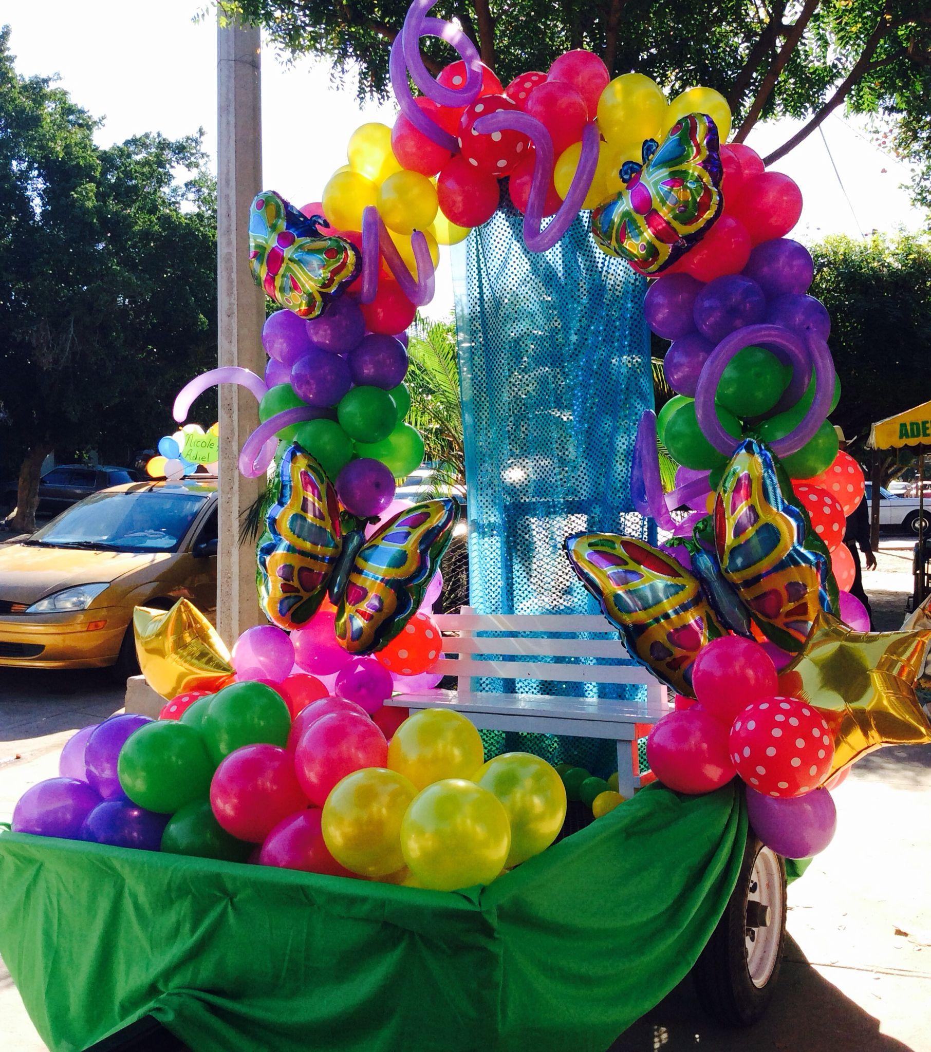 Primavera Carrozas De Carnaval Desfile De Carrozas Y Globos