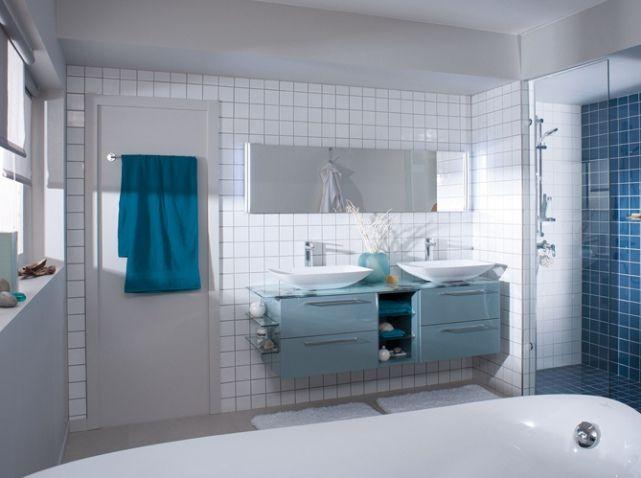 Naima vert d\'eau | DECOMAISON | Pinterest | Salles de bains bleues ...