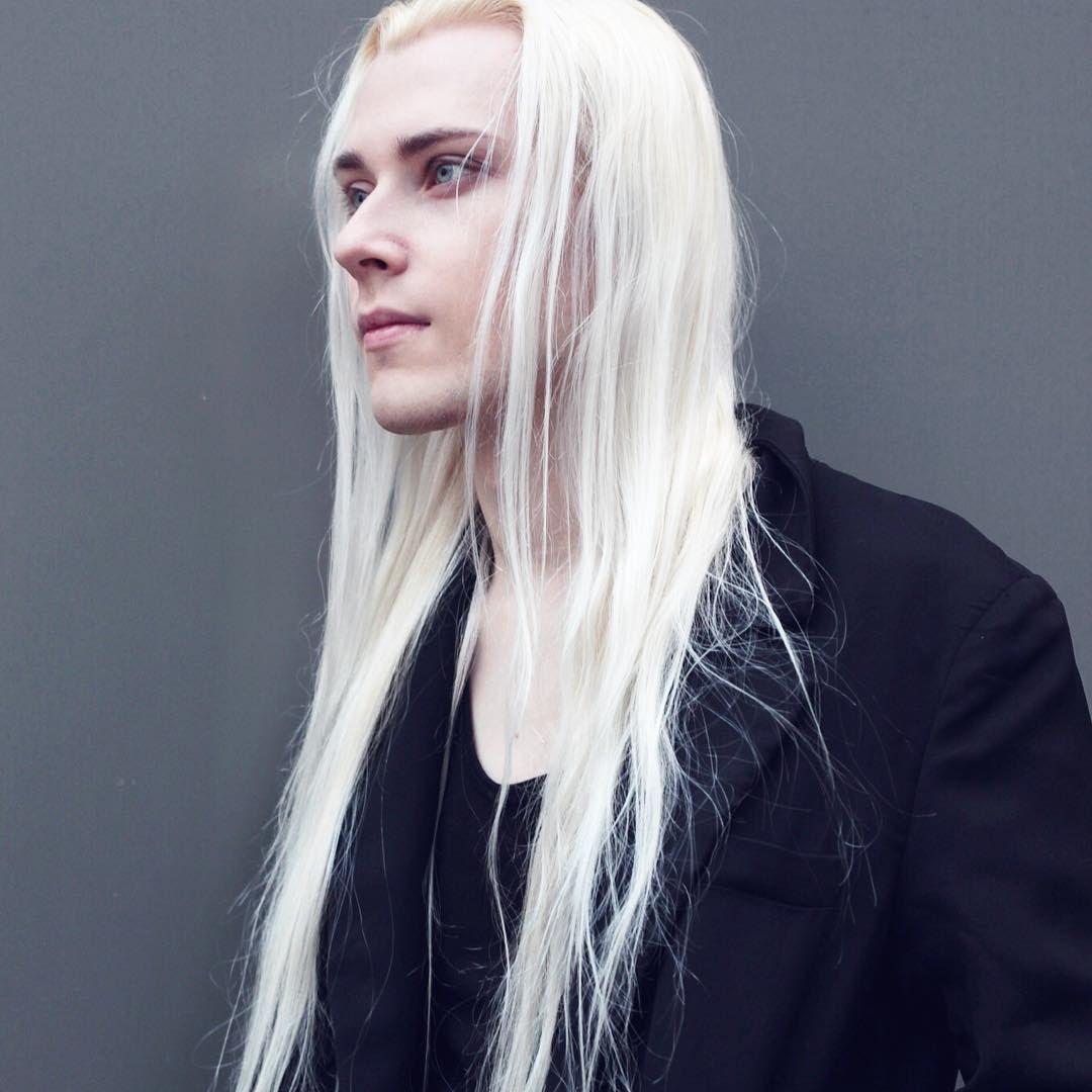Don T Tell Anpie I Posted It Lmao Valerykovtun Anpiephotography Longhairedman Blonde Streetphot White Hair Men Long White Hair Long Hair Styles Men