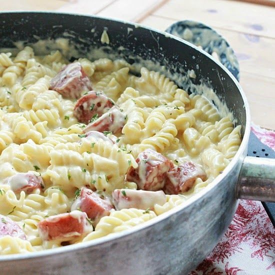 table for seven: Skillet Mac n Cheese with Turkey Kielbasa