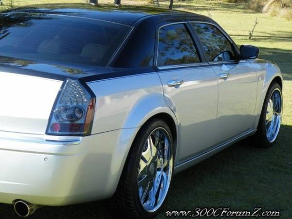 Chrysler 300 Two Tone Google Search Chrysler 300 Chrysler 300s