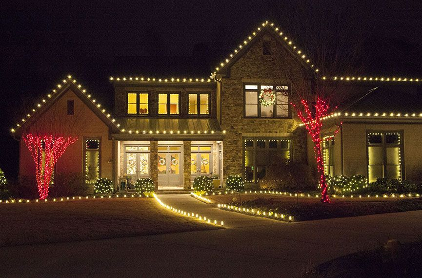 Outdoor Christmas Lights Ideas For The Roof Decorations