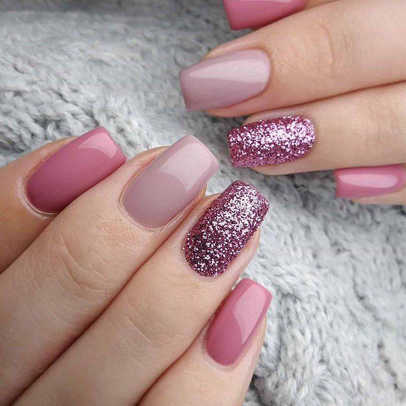 """BORN PRETTY Store on Instagram: """"💅🌼This glittery manicure with holly 💕is adorable! . . . . By💅: @teklanails #bornprettystore#nail_polish#nailstyle…"""""""