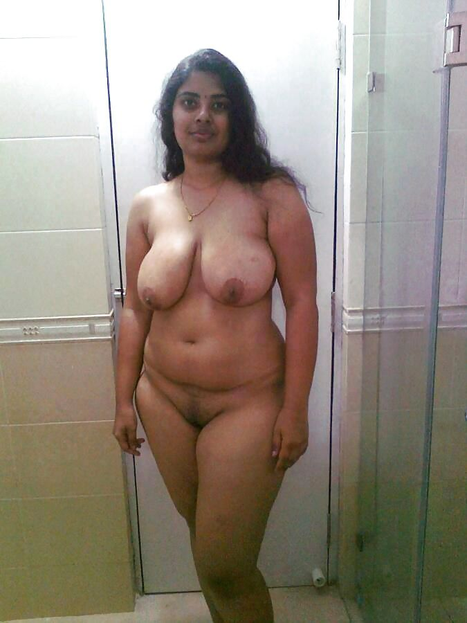 Nude indian house wife