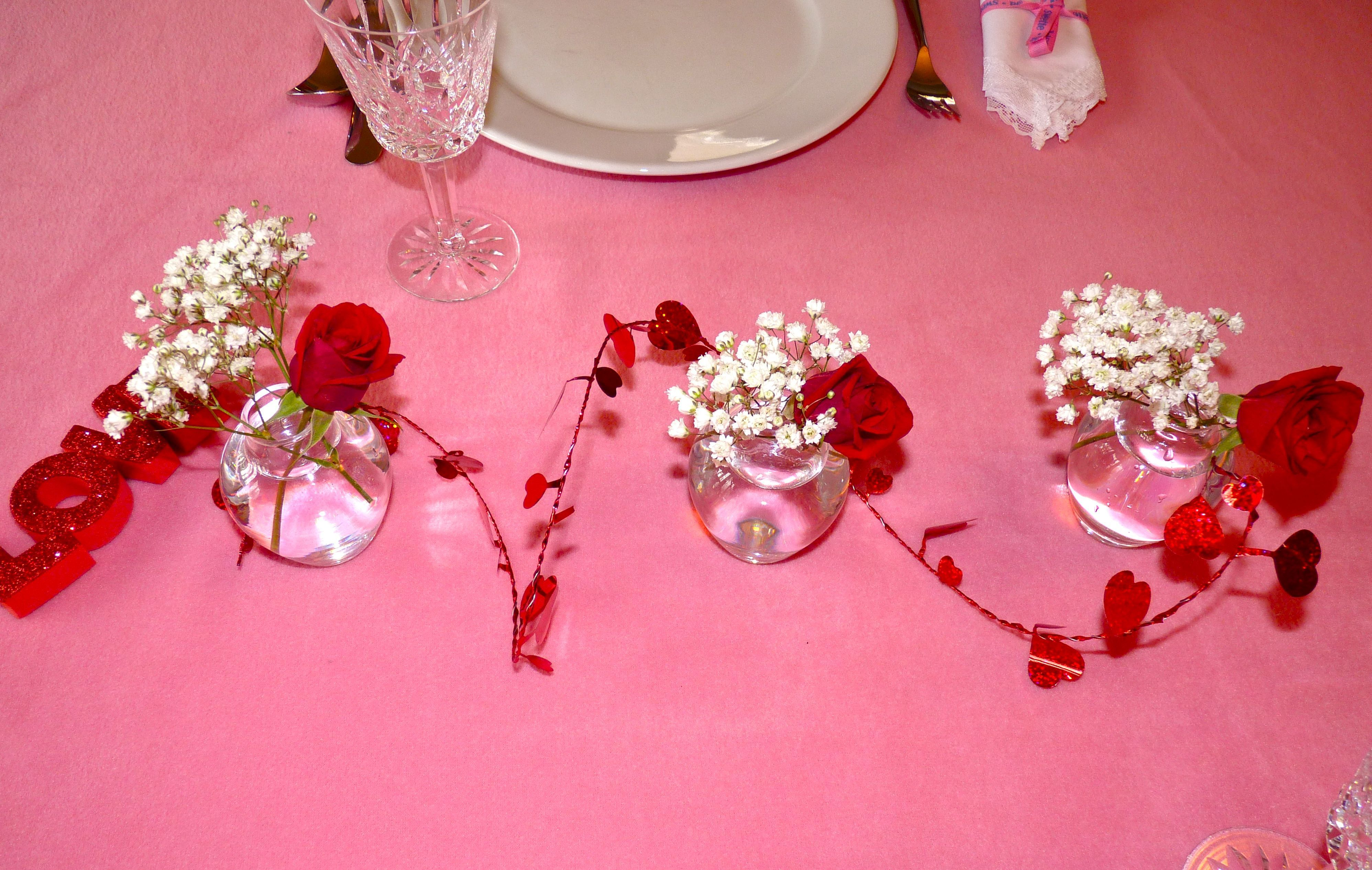 12 Crafty Table Runners | Table settings, Centrepieces and Crafty