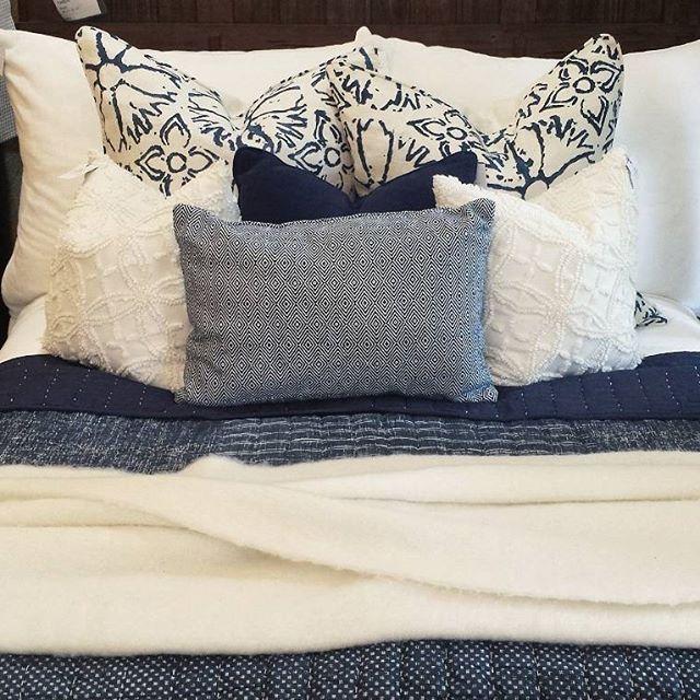 Check out the pillow coordination on that bed. Mhm! Gorgeous combos from head board to toe space. ••••••••••••••••••••••••••••••••••••••••••••••••••••• #layersbeautifulbedding#gardnervillage #bedroomdesign #bedroominspo #utahstyleanddesign #utahgram #utahliving #instaroom #dreamhome#bedroomgoals #bedroominspiration #bedcover #bedroomset #bedroomfurniture #bedweather #Regram via @layersbeautifulbedding