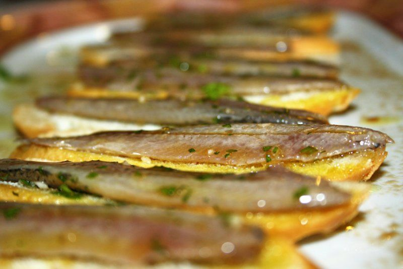 """Restaurante JJ - Montaditos de """"Boquerones JJ"""" (más en: www.comerconlosojos.com)"""